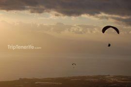 paragliding zonsondergang